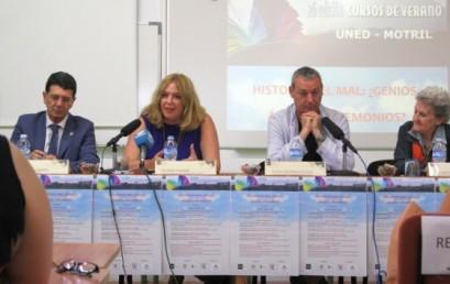 La existencia histórica de genios, ángeles y demonios protagoniza un multitudinario curso de verano en Motril