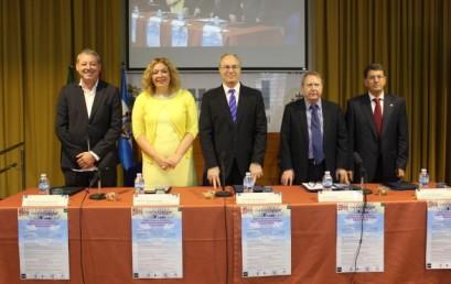 El foro universitario motrileño apuesta por el consenso como piedra angular del cambio político en España