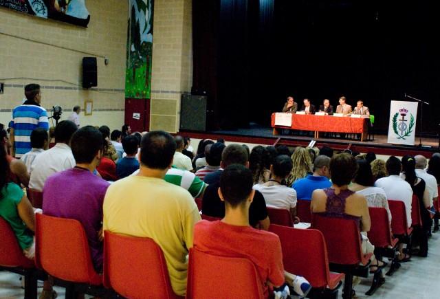 Presos, funcionarios de prisiones y alumnos de la UNED miran juntos hacia el futuro de la reinserción social